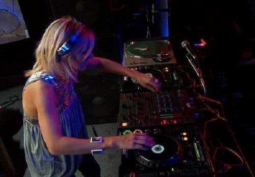 Anne Savage & Lisa Loud Live Classic & Hard Dance DJ-Sets Compilation (1994 - 2013)